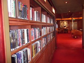 ザーンダム号図書室  クルーズツアー香港・神戸2012 143.JPG